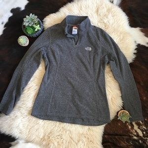 The North Face Grey Women's Quarter ZIP Size Small